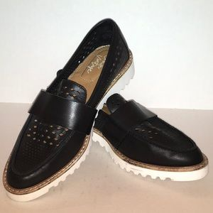 Crown Vintage Thick Sole Leather Lady's Loafers